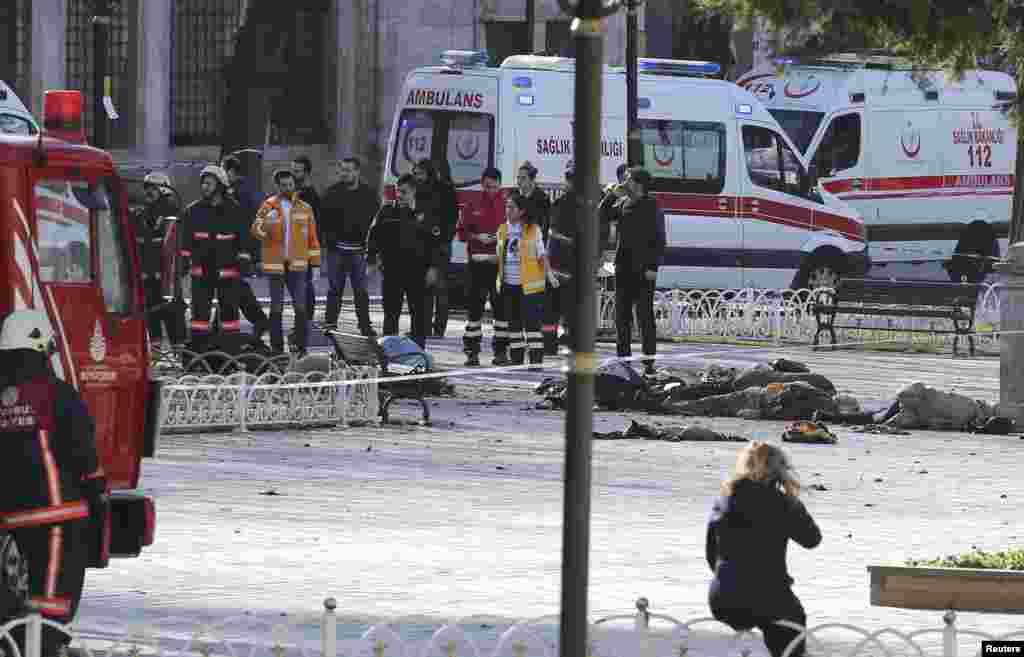 ترکی کے شہر استنبول میں منگل کو ایک دھماکے میں کم از کم 10 افراد ہلاک اور 15 زخمی ہو گئے۔