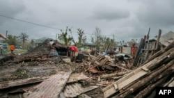 Puing-puing berserakan akibat hangman topan Pam di Vanuatu, 15 Maret 2015 (Foto: AFP PHOTO / UNICEF Pacific).