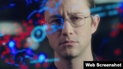 Snowden (c) 2016 Open Road Films