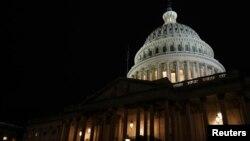 نمایی از ساختمان کنگره ایالات متحده در شهر واشنگتن