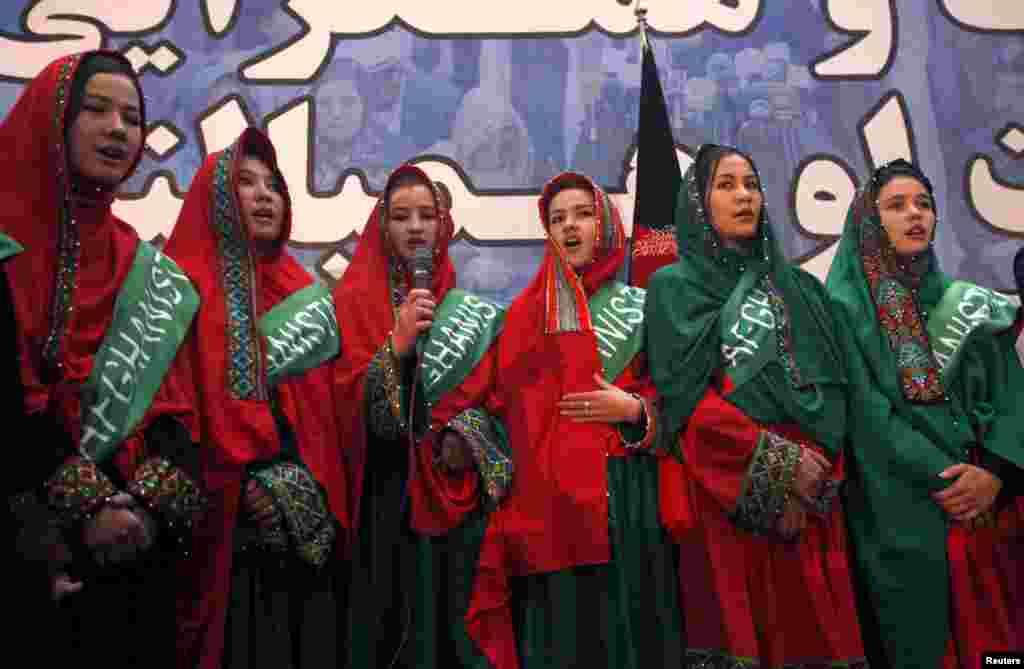 افغانستان میں اتوار کو پانچ اپریل کو ہونے و الے صدارتی انتخاب کی مہم کا باقاعدہ آغاز ہوگیا۔