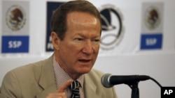 El secretario de Estado adjunto, William Brownfield, explicó que desde 2011 la cooperación con México comenzó a dirigirse hacia la policía, fiscales y jueces estatales y locales.