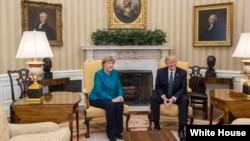 دیدار آنگلا مرکل صدراعظم آلمان با دونالد ترامپ رئیس جمهوری ایالات متحده در کاخ سفید - ۱۷ مارس ۲۰۱۷
