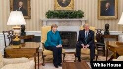Канцлер Германии Ангела Меркель и президент США Дональд Трамп (архивное фото)