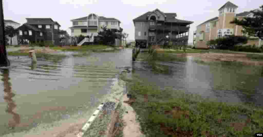 Lluvias de Florence provocan inundaciones en Avon, Carolina del Norte.