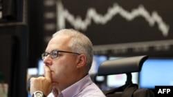Понижение индексов на фондовых рынках США