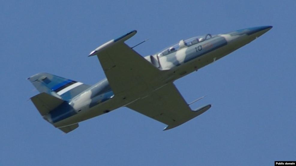Máy bay L-39 là loại máy bay huấn luyện chiến đấu do hãng Aero Voochody của Tiệp Khắc sản xuất từ thập niên 1960.