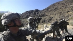 Американский военный патруль в провинции Кунар. Афганистан. 2 января 2011 года