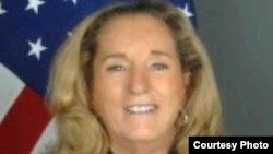 La embajadora de Estados Unidos en Haití, Pamela White, presenta credenciales este viernes.