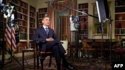 Obama tokom snimanja redovnog subotnjeg obraćanja naciji
