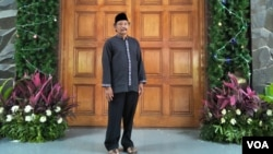 Wakil Ketua Dewan Paroki Mathius Nalih Ungin. (VOA/Fathiyah)