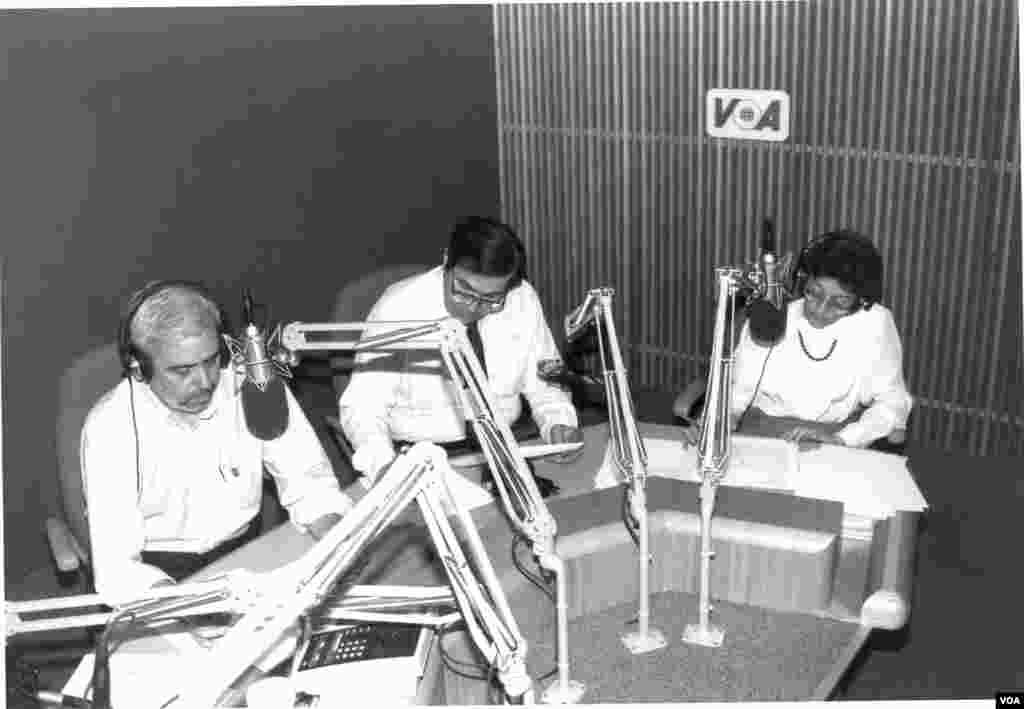 Γιώργος Γεωργιάδης, Γιώργος Μπίστης και Νανά Καπετανάκου στον αέρα.1990