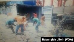 LAGOS: Hukumar kwastan ta kama bindigogi a tashar tekun ruwan Legas