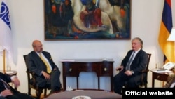 Meeting_Nalbandyan_Zannier