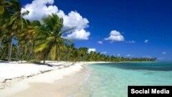 Dominikan Respublikasının cənub-şərqində yerləşən Saona adası Xristofor Kolumbun yaxın dostu Mişel de Kuneonun İtaliyadakı doğma şəhəri Savonanın şərəfinə adlandırılıb.
