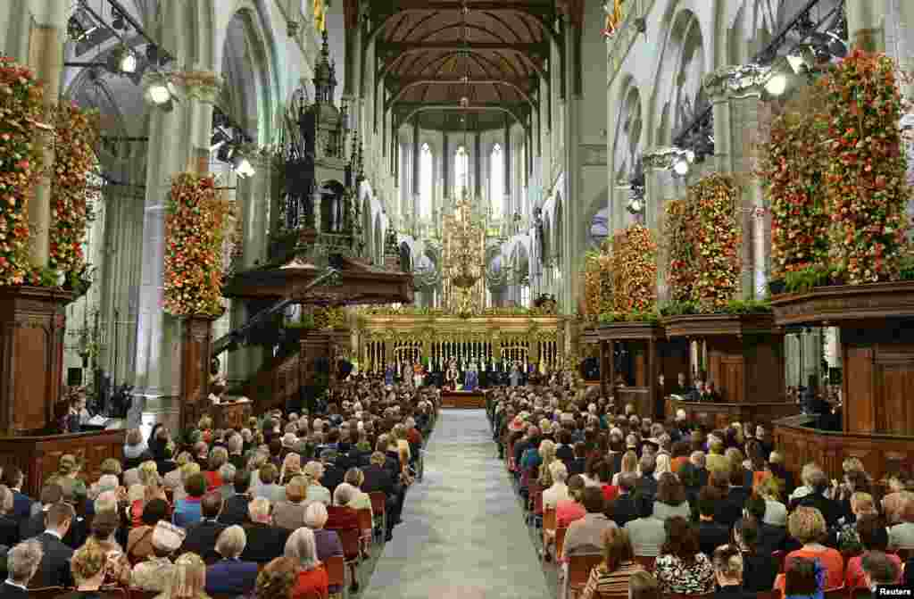 General view of the religious crowning ceremony at the Nieuwe Kerk church in Amsterdam.