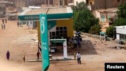 Une station essence à Khartoum, Soudan, le 24 septembre 2013.