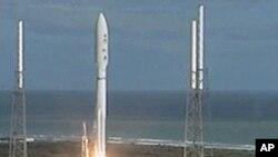 """""""好奇號""""火星科學實驗室由火箭送上太空"""
