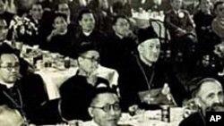 백범 김구 선생 (앞줄 가운데)
