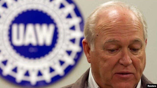 UAW Secretary-Treasurer Dennis Williams at news conference at Chattanooga Electrical Apprenticeship and Training Center in Tennessee, Feb, 14, 2014.