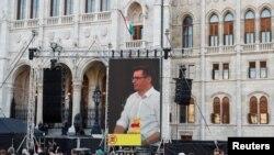 匈牙利首都布达佩斯市长卡拉松尼在抗议建中国大学分校的集会上发言(路透社2021年6月5日)