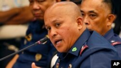 Philippine National Police Chief Ronald Dela Rosa apologizes to South Korea, Jan. 19, 2017, over the death of a Korean man who was arrested illegally and then slain by members of an anti-drug task force at the main police camp in Manila.