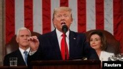 """美國總統特朗普2020年2月4日在美國國會對參眾兩院發表主題為""""美國的偉大回歸""""的國情咨文演說。"""