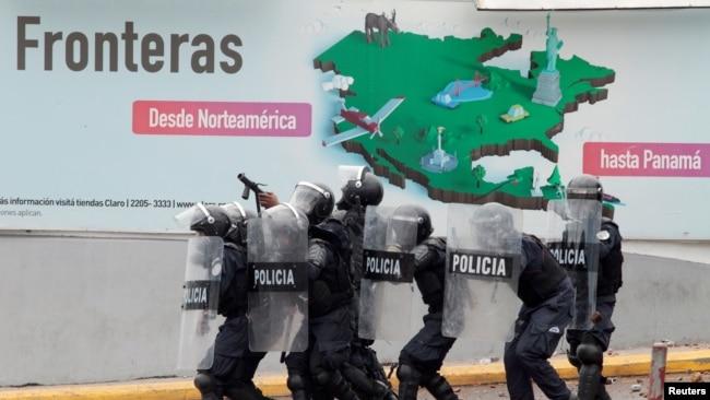 El gobierno busca llegar a un pacto a través del diálogo con las partes, pero los gremios opinan que para que esto ocurra primero se deben derogar los decretros. Photo: Reuters.