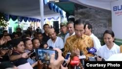 Presiden Joko Widodo memberi keterangan kepada media di Penjaringan, Jakarta Utara, Selasa, 13 Juni 2017. (Foto: Biro Pers Kepresidenan)