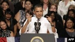 Predsednik Obama na skupu u Teksasu u okviru kampanje pridobijanja podrške za plan o zapošljavanju, 4. oktobar 2011.