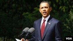 Obama arribó a Gran Bretaña desde donde viajará con Cameron a Deauville, Francia, para la reunión del G-8.