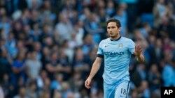 Lampard ha brillado en el Manchester City y el técnico del equipo inglés, Manuel Pellegrini, ha dicho que hará todos los esfuerzos para extender el préstamo.