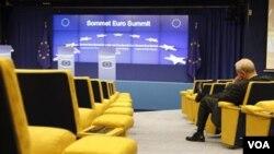 """La OCDE dice que habrá """"temporadas de un leve decrecimiento"""" en algunas naciones de la eurozona."""