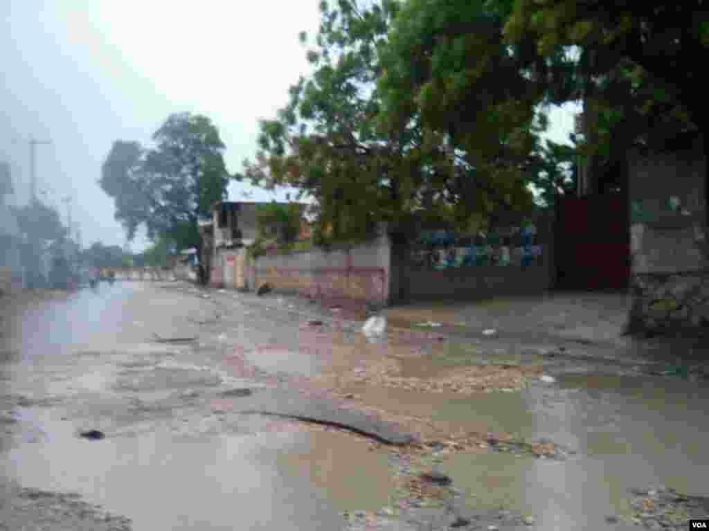 Huracán Matthew ingresó a Haití como huracán categoría 4.
