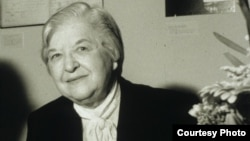 凱夫拉芳綸纖維發明人斯蒂芬妮•科沃勒克(圖片來自化學遺產基金會網站)