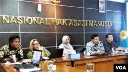 Seminar bertajuk 'Toleransi dan Hak Asasi Manusia' yang berlangsung pada Senin 17/12) di kantor Komnas HAM di Jakarta. (VOA/Fathiyah)