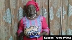 La comédienne Maïmouna Hélène Diarra à Bamako, le 7 mars 2017. (VOA/Kassim Traoré)