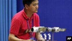 Maketa spajanja kineske letelice i modula u svemiru