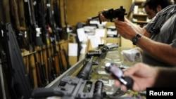 美國銷售槍支店鋪(資料圖片)