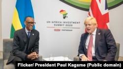 Perezida w'u Rwanda Paul kagame n'umushikiranganji wa mbere w'Ubwongereza Boris Johnson