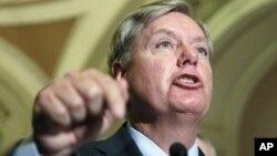 """El senador Lindsey Graham dijo que Pakistán es un """"aliado esquizofrénico""""."""