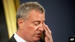 Bill De Blasio, New Jersey Valisi Christie'yi kalpsiz olmakla suçladı