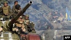 Ukrajinski vojnici blizu Marijupolja