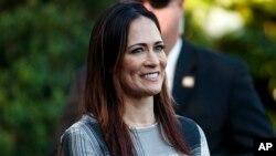 Mme Grisham remplacera Sarah Sanders, qui quitte son poste fin juin.