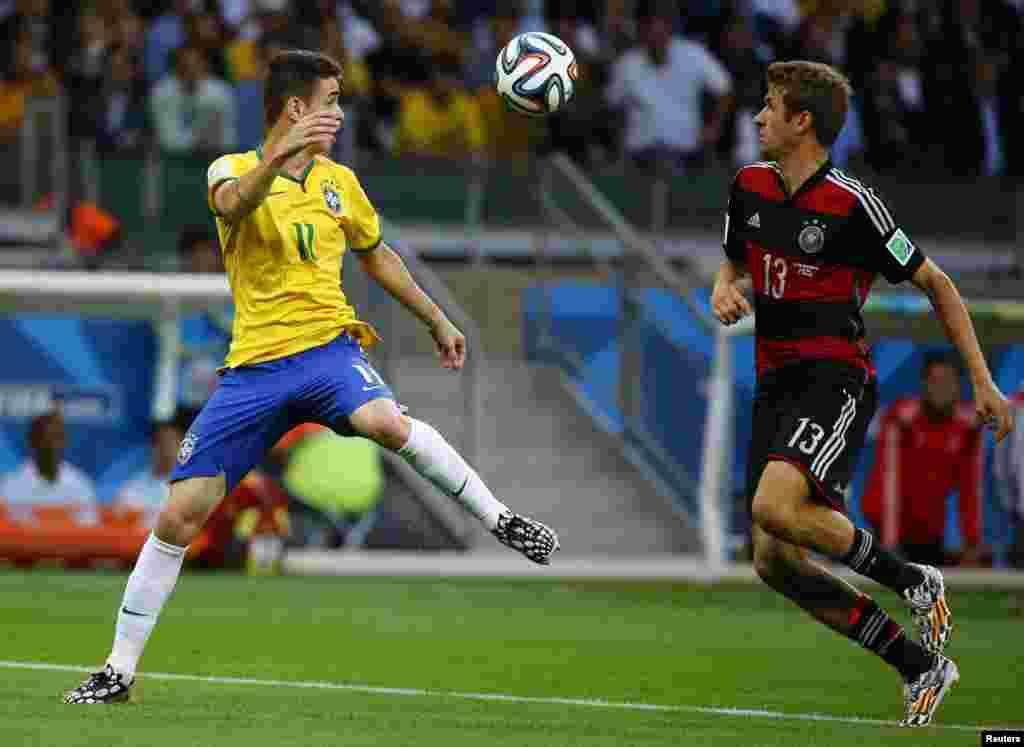 جرمن کھلاڑیوں کے تابڑ توڑ حملوں کے باعث برازیل کی ٹیم حواس باختہ نظر آئی
