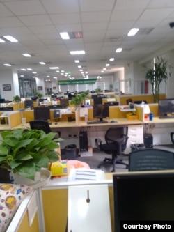 刘力朋工作期间新浪微博审核部门办公室 (刘力朋提供)