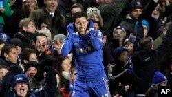 Eden Hazard kembali memperkuat Chelsea setelah diskors karena menyepak anak pengutip bola (foto: Dok).