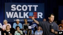 បេក្ខជនប្រធានាធិបតីខាងគណបក្សសាធារណរដ្ឋ លោក Scott Walker ថ្លែងក្នុងកិច្ចប្រជុំមួយកាលពីខែកក្កដា ឆ្នាំ២០១៥។