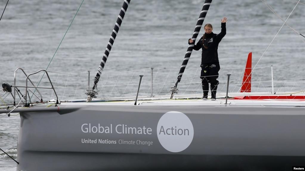 Aktivis seberangi samudera Atlantika
