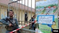 جنرال کامه وال به صدای امریکا گفت که سال گذشته، طالبان با تصرف موقت کندز، به ماشین های بایومتریک دست یافتند.